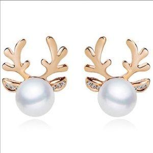 Reindeer Pearl Earrings